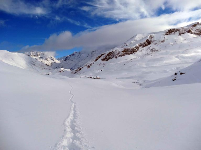 hikes-snowshoes-pyrenees