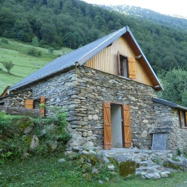photo-pyrenees-lodge-ustou